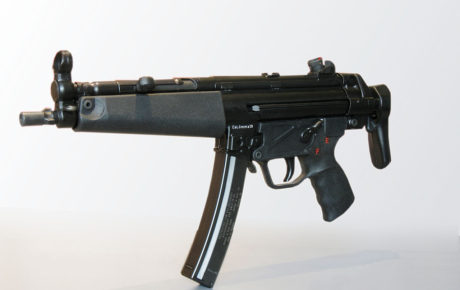 1280px-Heckler_&_Koch_MP5-2